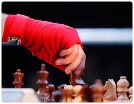 Гибридный вид спорта, объединяющий в себе шахматы и бокс