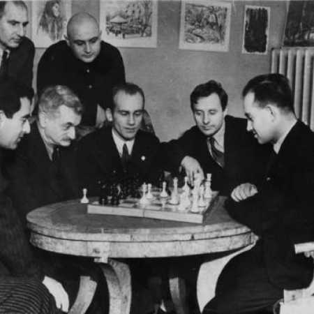 Яков Рохлин - в центре, рядом с Эмануилом Ласкером, 1935 год