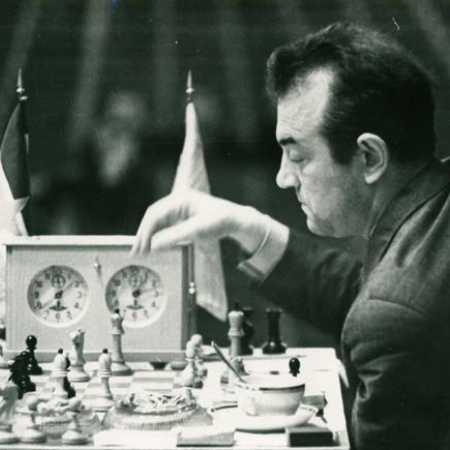 Виктор Львович Корчной, Момент принятия решения