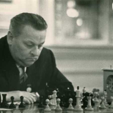 Владас Ионович Микенас в начале 60-х