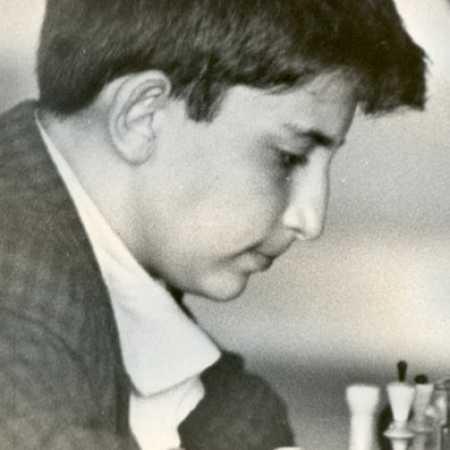 Юный Аршак Петросян
