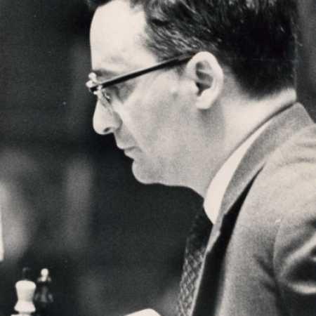 Гроссмейстер Леонид Шамкович