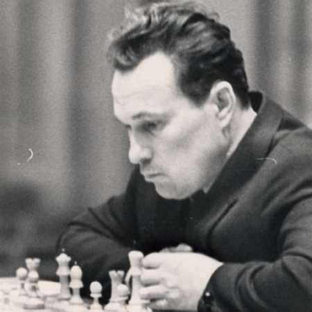 Ратмир Дмитриевич Холмов